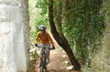 Section 4.2 Monieux - St-Saturnin-les-Apt / Vaucluse long distance mountain bike trail