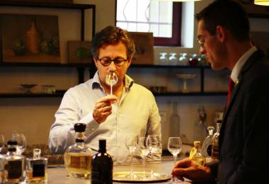 Visite guidée de la distillerie Maison ...