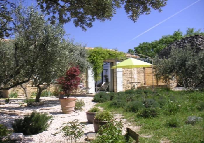 le jardin d 39 adam furnished accommodation and g tes gordes vaucluse in provence. Black Bedroom Furniture Sets. Home Design Ideas