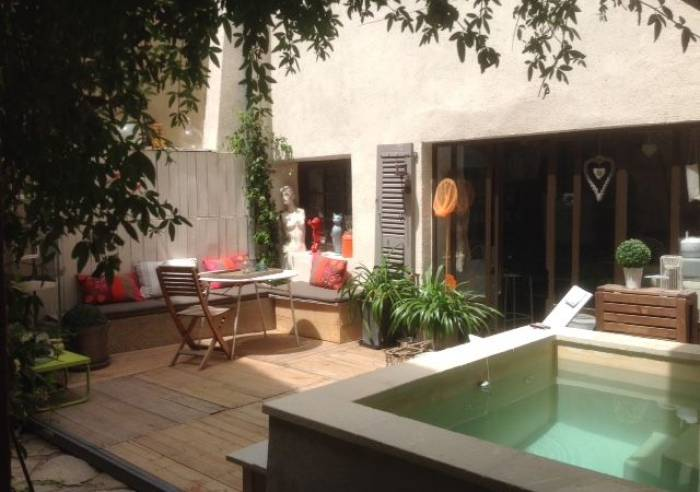 Une Vue sur Cour - Bed and breakfast - Lagnes - sorgues-area