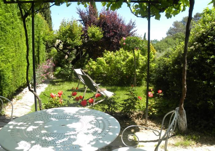 Chambres d 39 h tes nicole de la bastide chambre d 39 h tes for Bastide au jardin secret