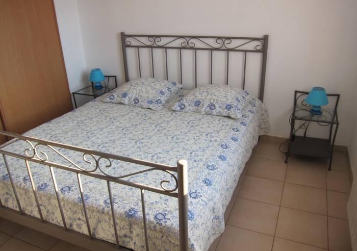 la maison de jade meubl s et g tes entraigues sur la sorgue chateauneuf du pape orange. Black Bedroom Furniture Sets. Home Design Ideas