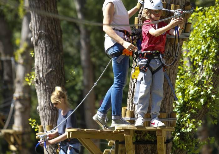 """Parcours aventure dans les arbres """"Oxygene Parc Aventure"""""""