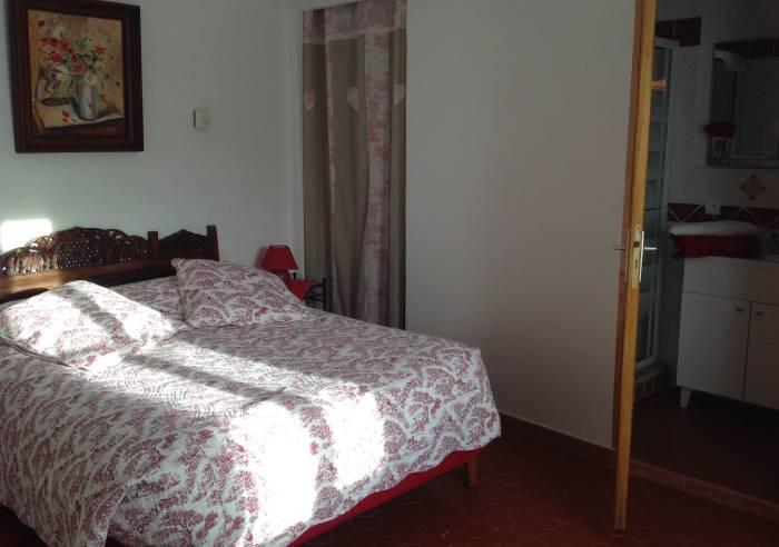Les chambres d 39 anne marie chambre d 39 h tes entrechaux for Chambre d hotes mont ventoux