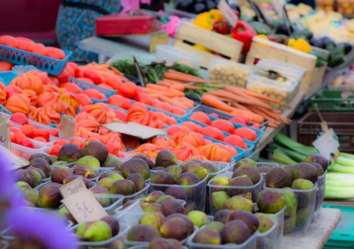 Petit Marché de village à Sablet - Tous les vendredis