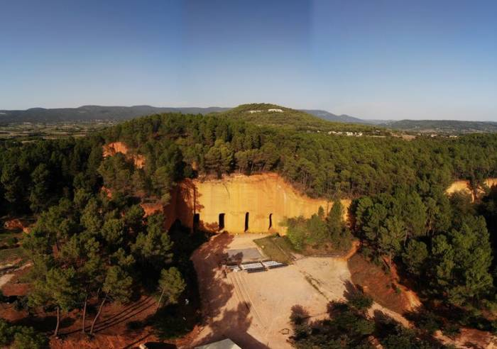 Mines d'ocre de Bruoux