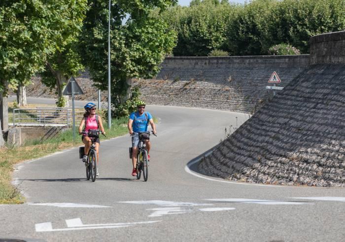 Circuit vélo : D'Orange à Caderousse, de la cité romaine à la découverte de l'Ile verte du Rhône - N°7